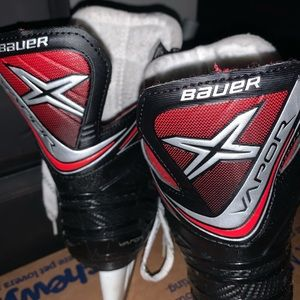 Youth size 5 boys Bauer hockey skates
